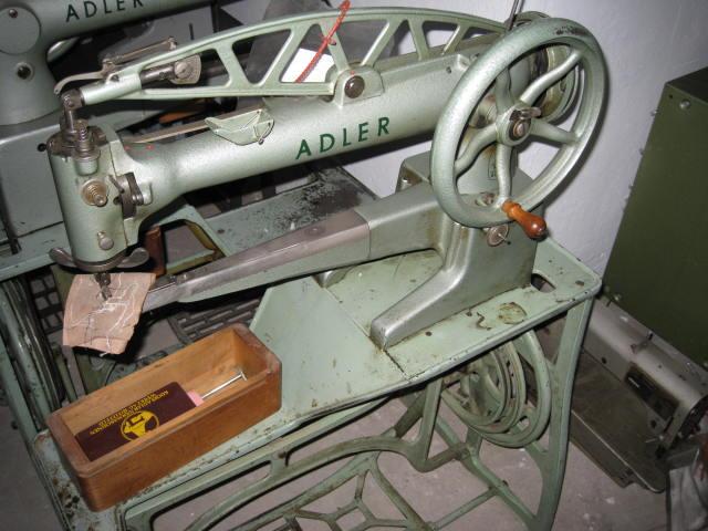 Nähmaschine Reparatur Berlin = Sieck ADLER Kl 301 Reparatur Nähmaschine komplett auf