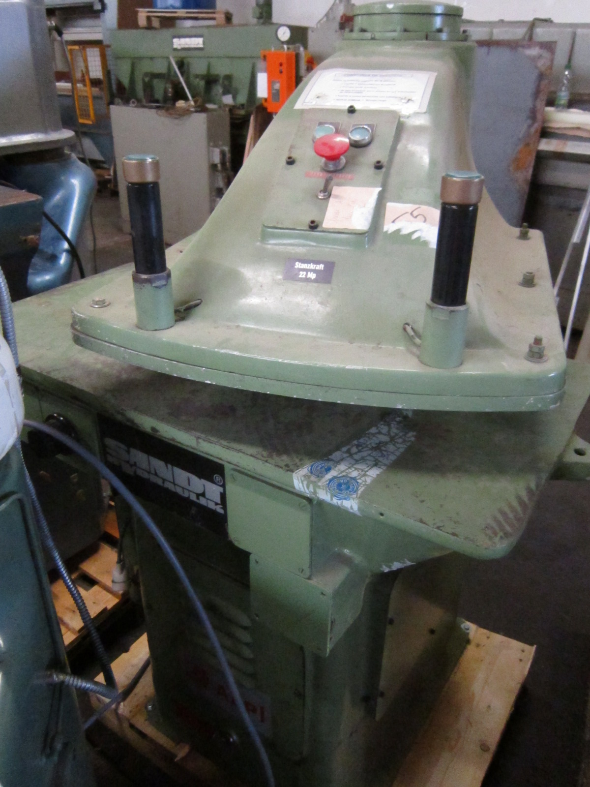 Sieck Sandt Type 410 Hydraulic Clicking Press With 22