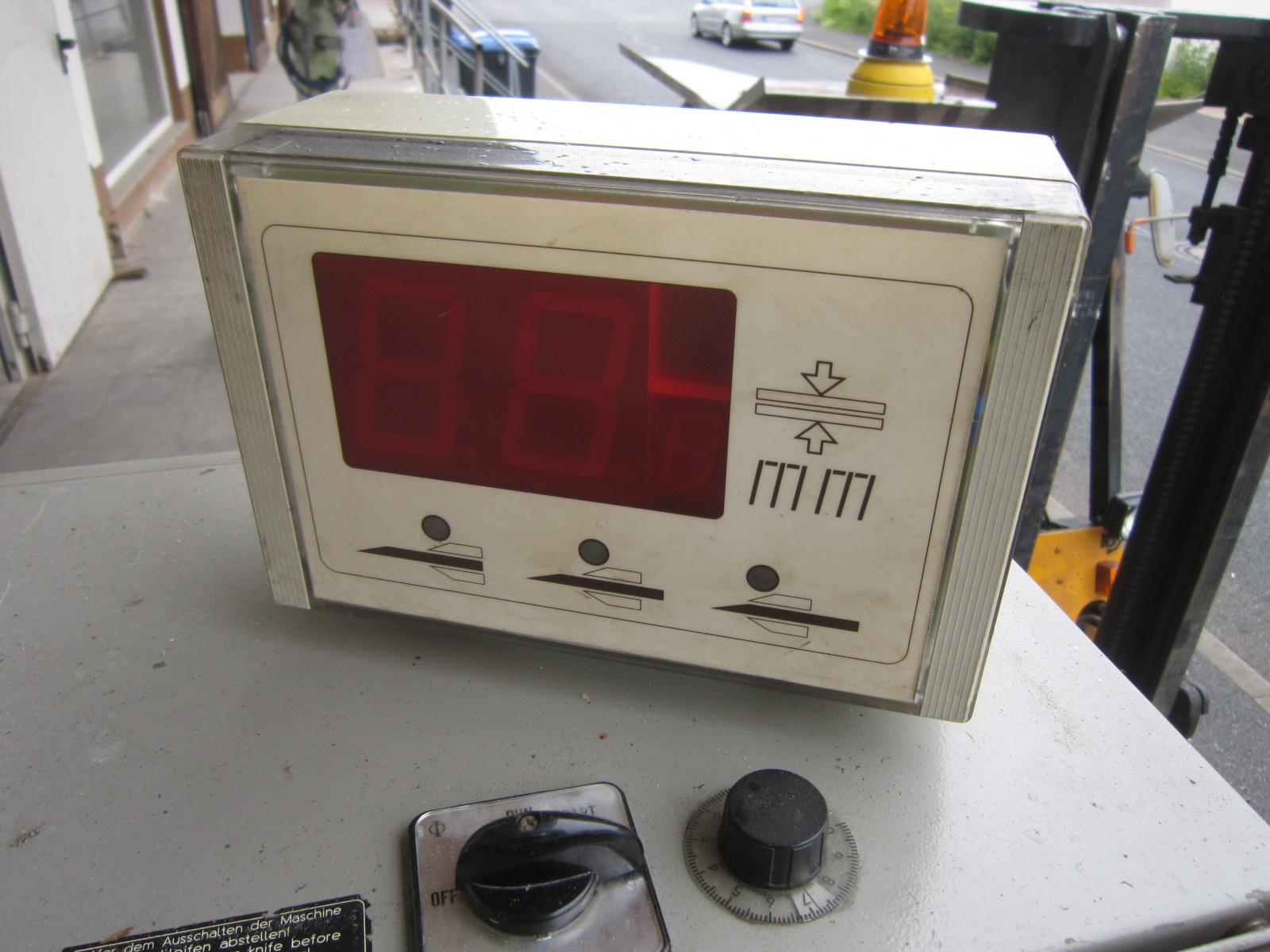 sieck fortuna typ bsm 400 hochleistungs spaltmaschine mit 400 mm spaltbreite obertransport. Black Bedroom Furniture Sets. Home Design Ideas