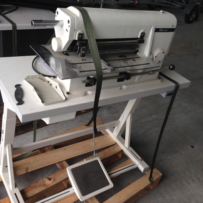 sieck verkauft deyee riemenschneidemaschine lederschneidemaschinen g rtelschneidemaschine. Black Bedroom Furniture Sets. Home Design Ideas